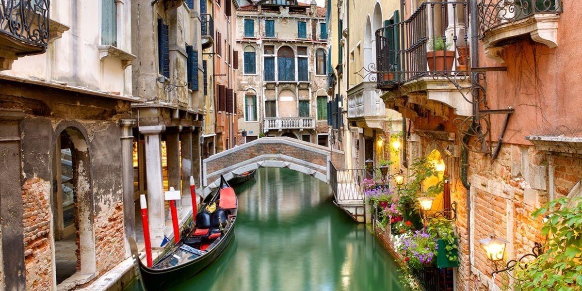 Дом в венеции выставка недвижимости дубай