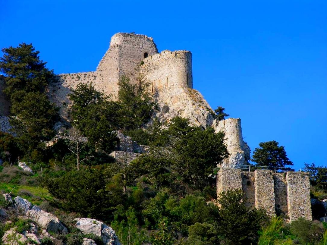 Фотографии старых замков и башен